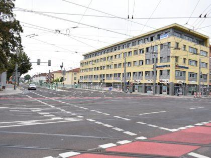 Geländer vor dem Paritätischen Wohlfahrtsverband (Aufnahme 25.7.2019)
