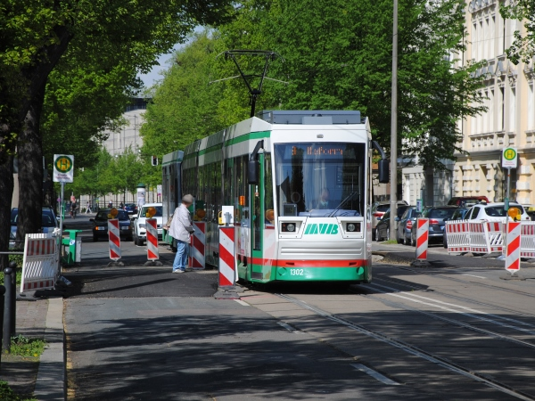 Neue Ersatzhaltestelle Raiffeisenstraße (Foto: Ende April 2018)