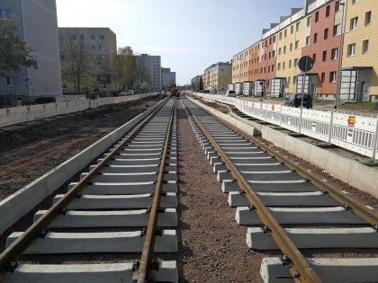 Verlegte Gleise in der Johannes-R.-Becher-Straße