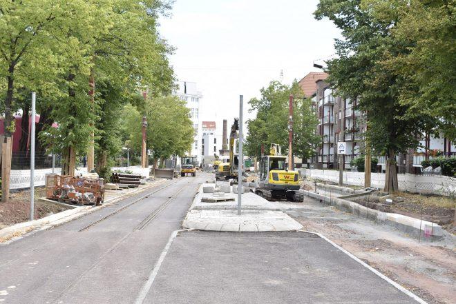 Neue Fußgängerquerung zum Puppentheater.
