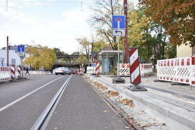 Fertiggestellte Haltestelle S-Bahnhof Buckau / Puppentheater in Richtung Leipziger Straße.