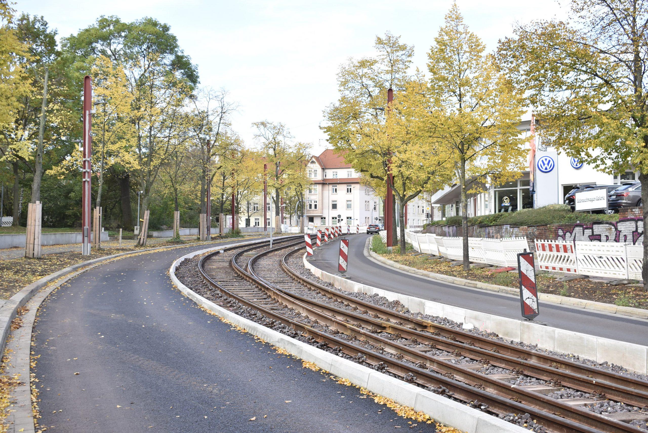 Gleise in der Warschauer Straße, Blickrichtung Dodendorfer Straße.