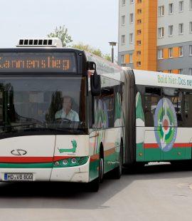 Buslinie 69 am Hanns-Eisler-Platz
