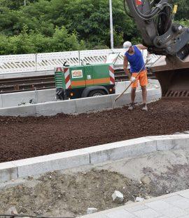 Arbeiten für die Tragschicht der Kfz-Fahrbahn