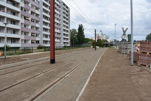 Neue Gleise mit Rasensaat in der Ebendorfer Chaussee
